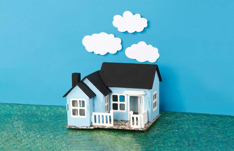 Kreativ boliginnredning, Mini World: Malt, samlet og pyntet hus av tre, 3D puslespill hus