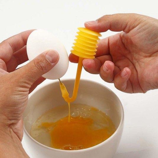 Påskeæg: Tøm påskeæg til påske med en æggepuster