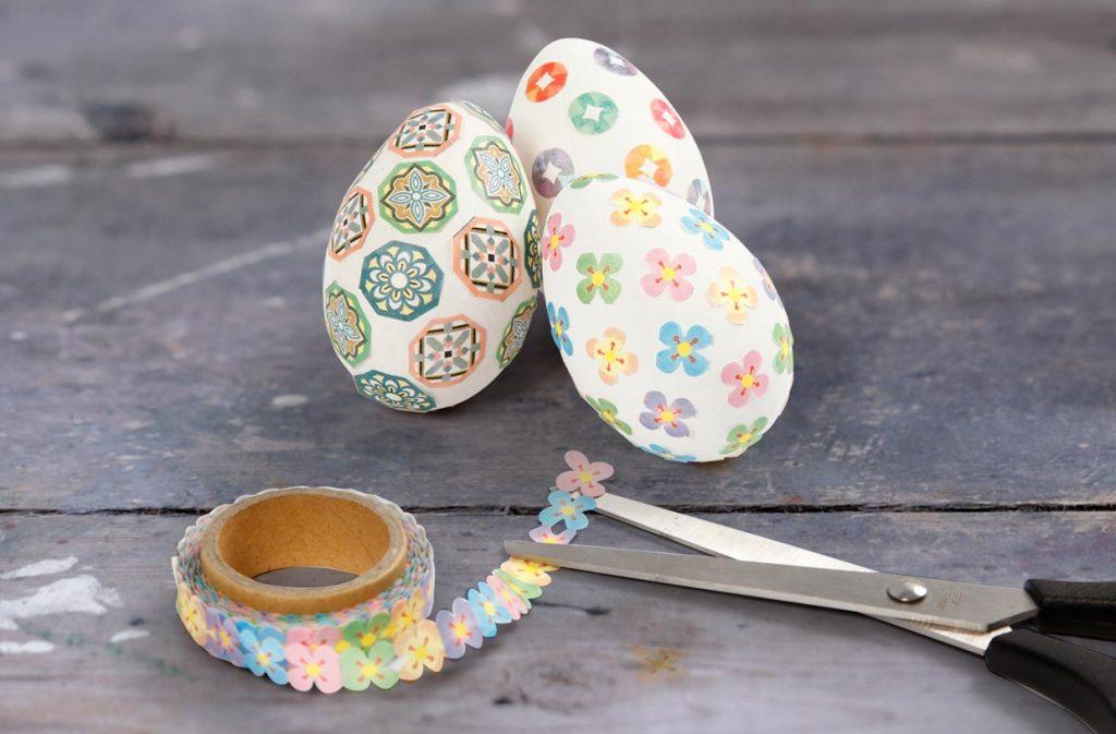 Påskeæg: Æg med masking tape til påske