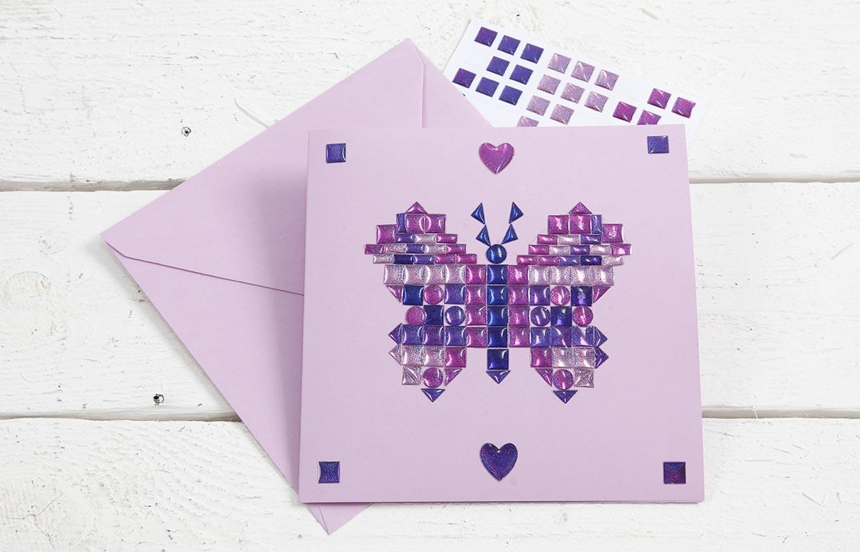 Lav selv kort: Kort med mosaik af små stickers