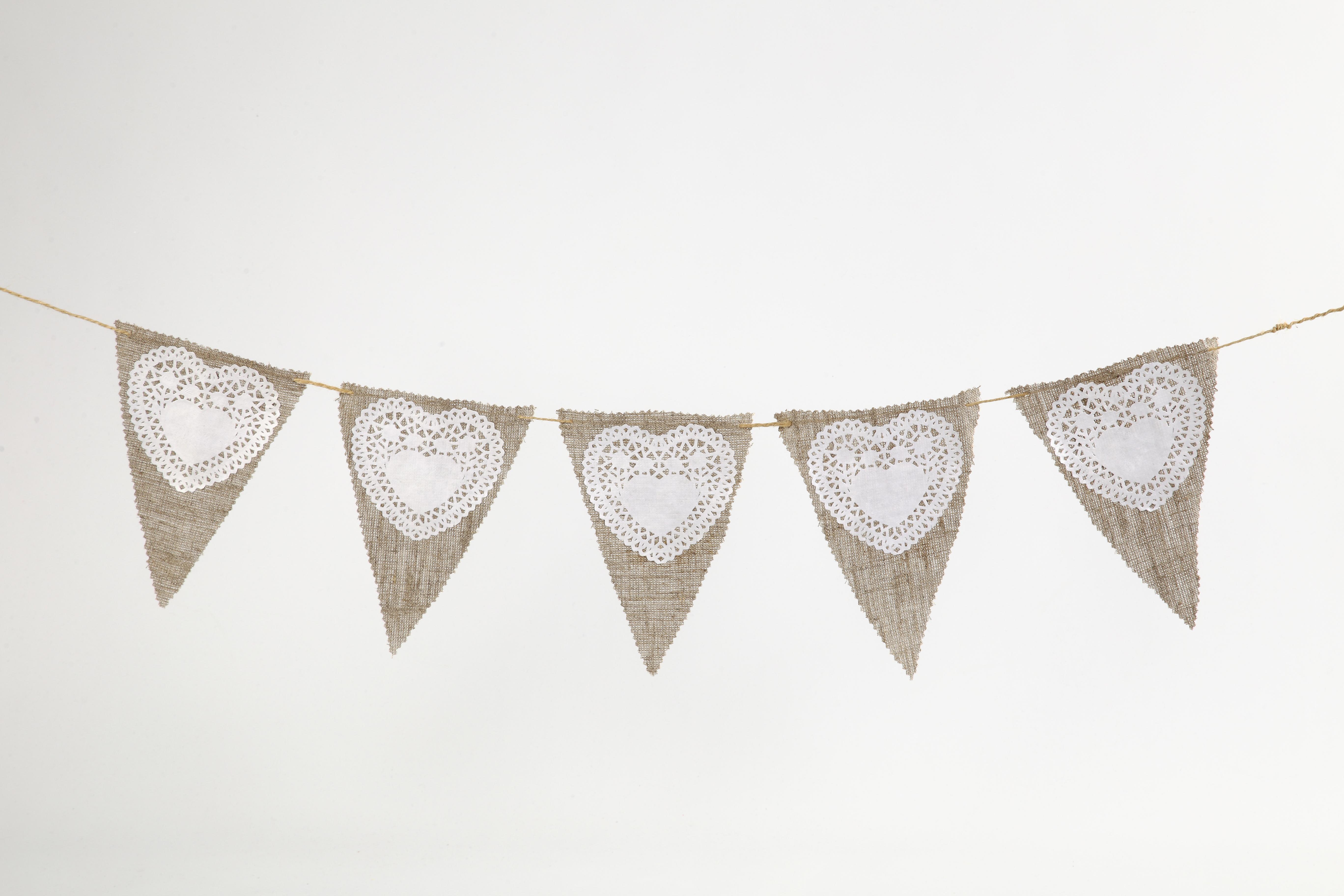 Bryllup: Flagglenker av lin og papirblonder