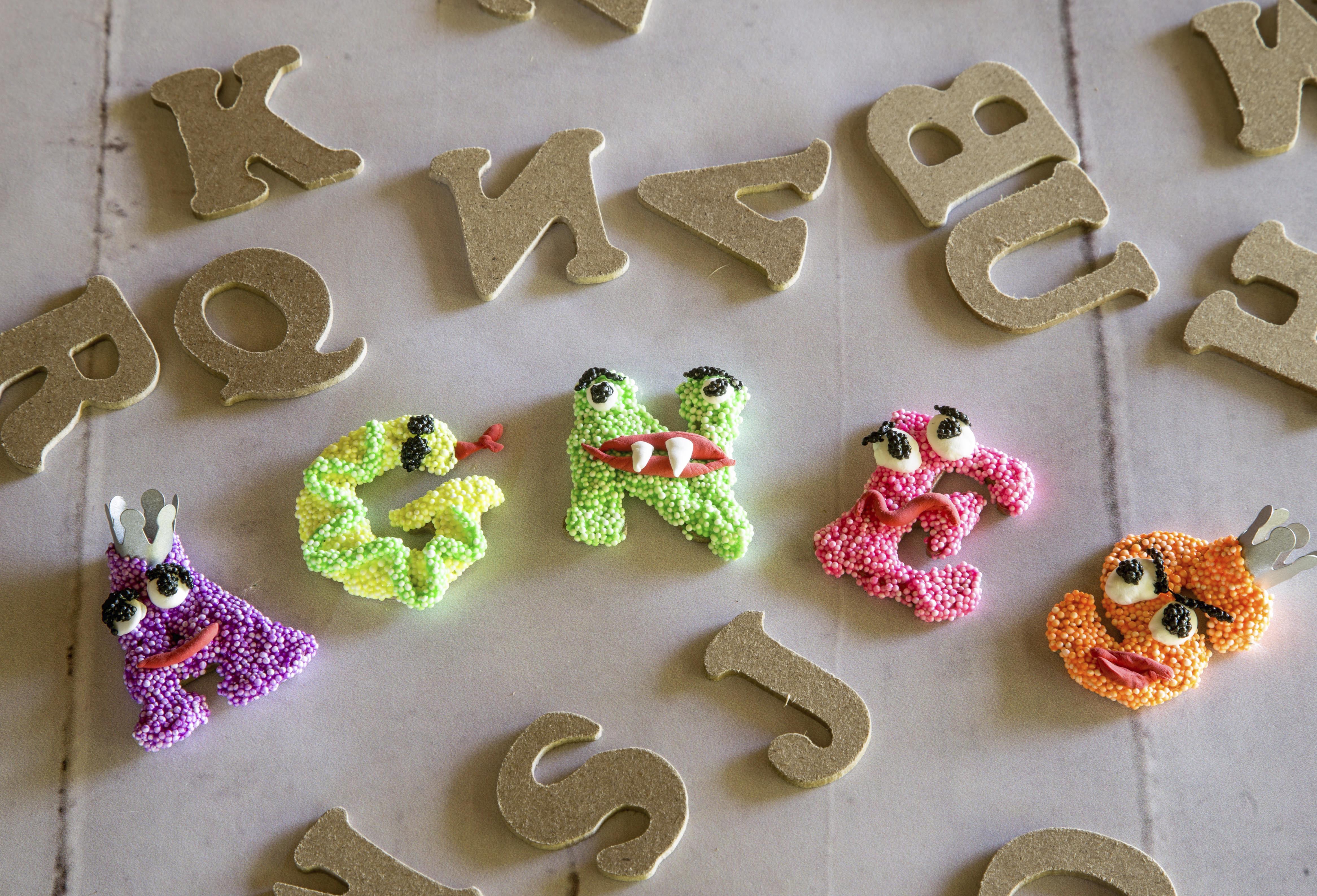 Foam Clay idéer og inspiration bogstaver - Kreativ med Ungerne