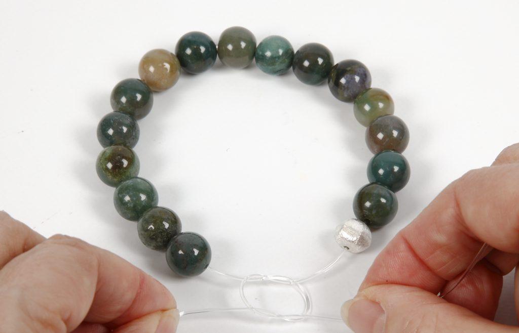 DIY smykkefremstilling lav selv smykker med elastisk smykketråd