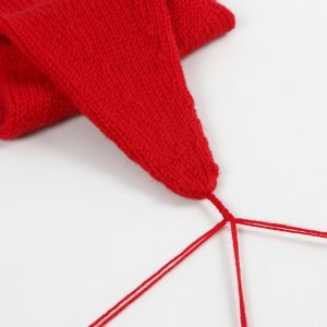 Lav selv en strikket nissehue til jul - inspiration.