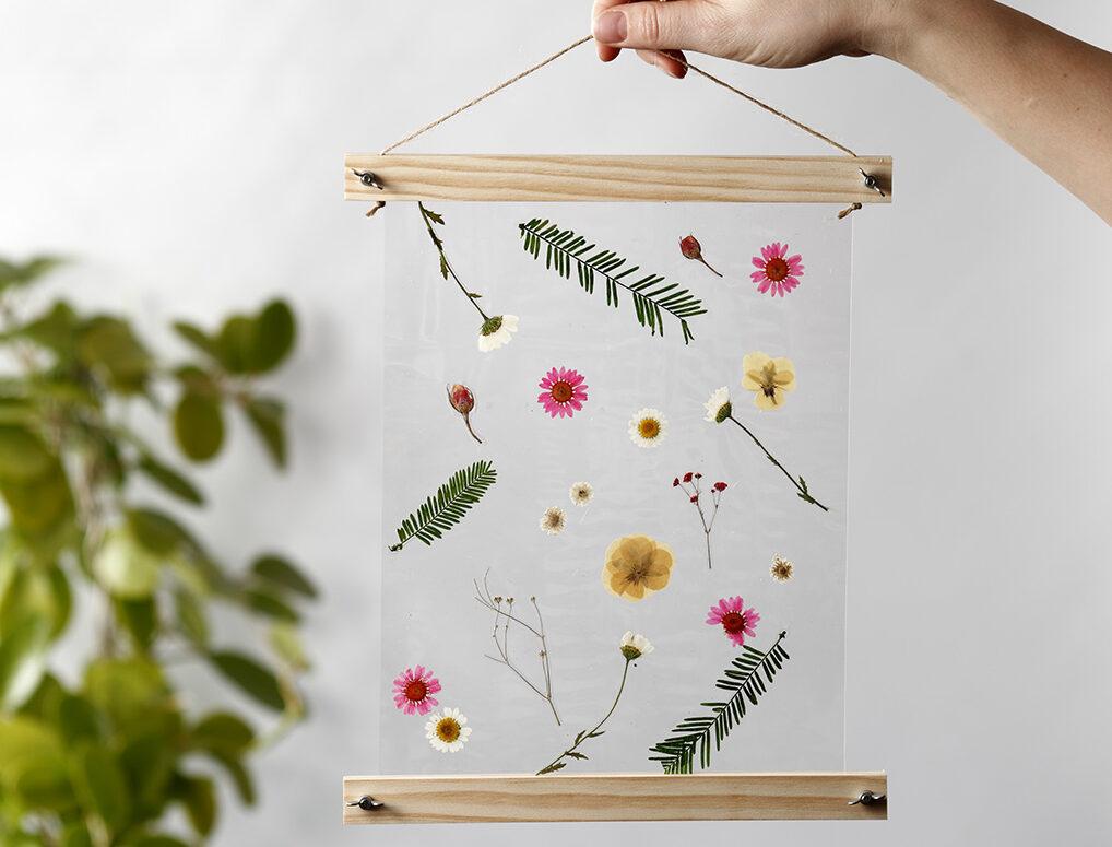 Tørrede blomster og -blade til ophæng